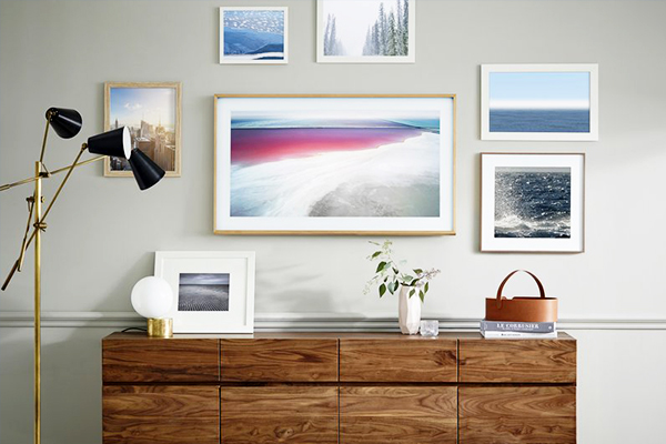 decorate-around-a-television-smaller-frames